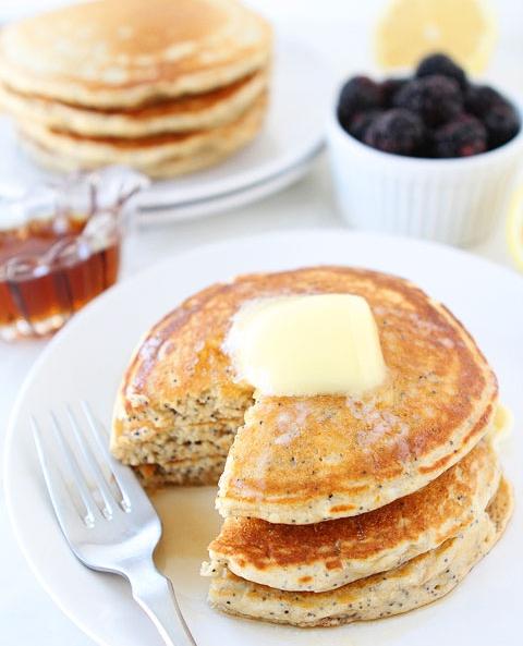 Lemon-Poppyseed-Yogurt-Pancakes-4