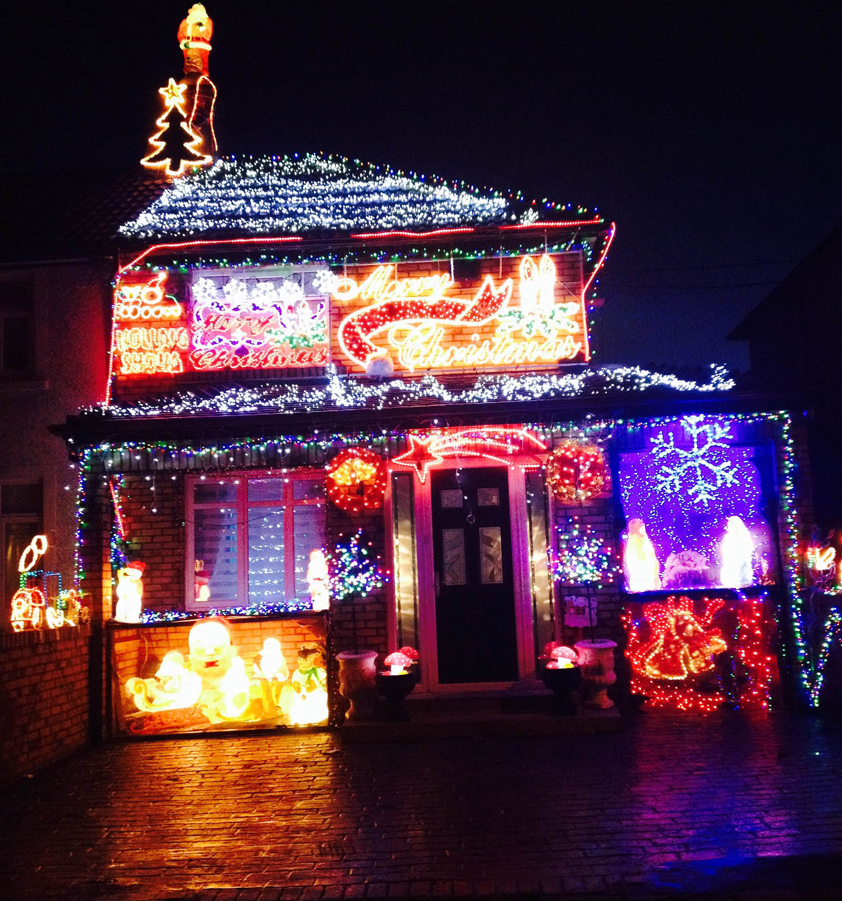 These Are The Most Christmassy Homes In Ireland